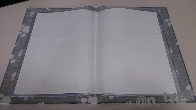 カーキュート 車検証ケース にくきゅう足あと ブラック 車検証ポケット(A4)