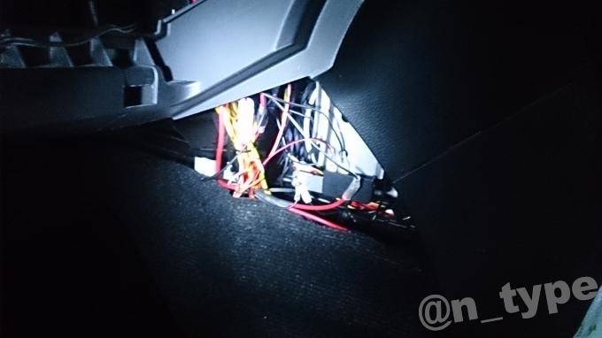 スイフト 電源引き込み 車内 末端