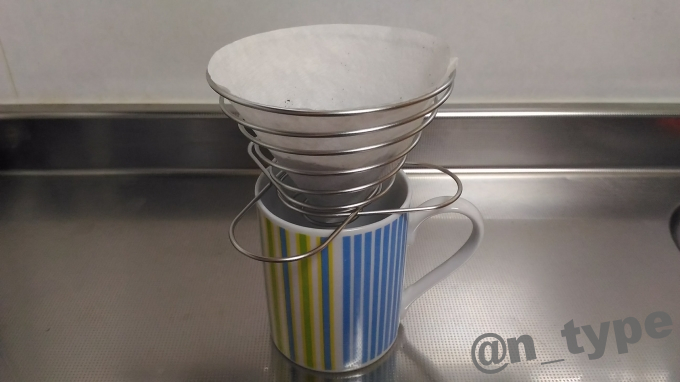 ユニフレーム コーヒーバネットcute マグカップに乗せる