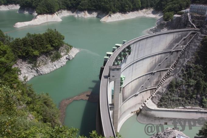 小渋ダム 右岸 上から