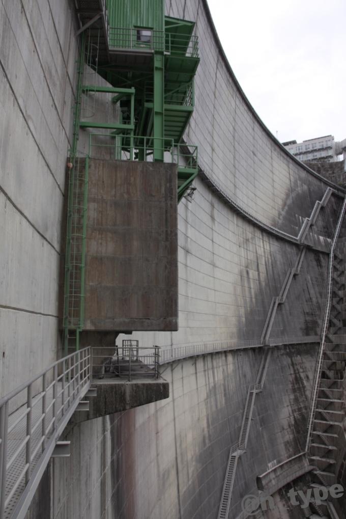 小渋ダム開放DAY B2エレベーター出口