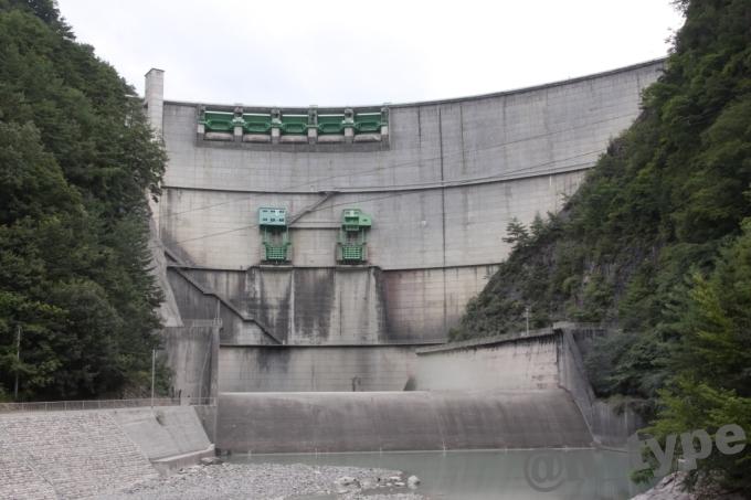 小渋ダム開放DAY 下流側から