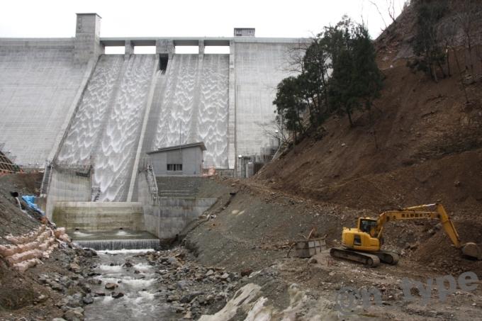 河内川ダム 下流側 工事中
