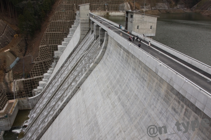 河内川ダム 監視所屋上から