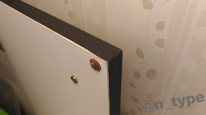 洗面台収納扉 リメイクシート貼り終わり 角の処理