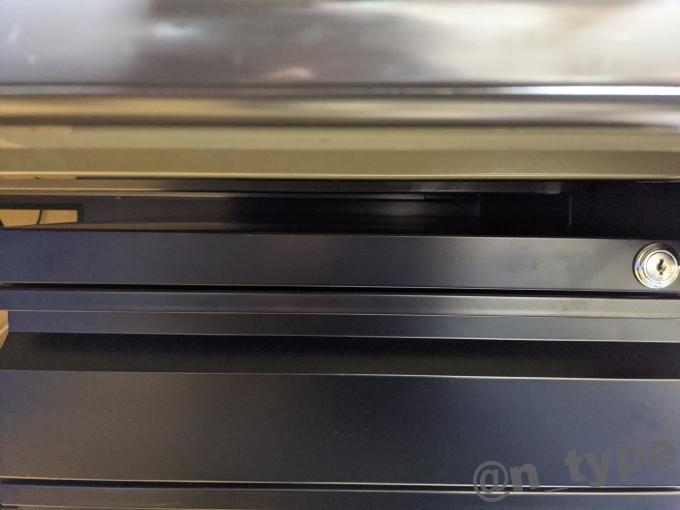 タンスのゲン スチール3段ワゴン WG01ワゴン 机との隙間